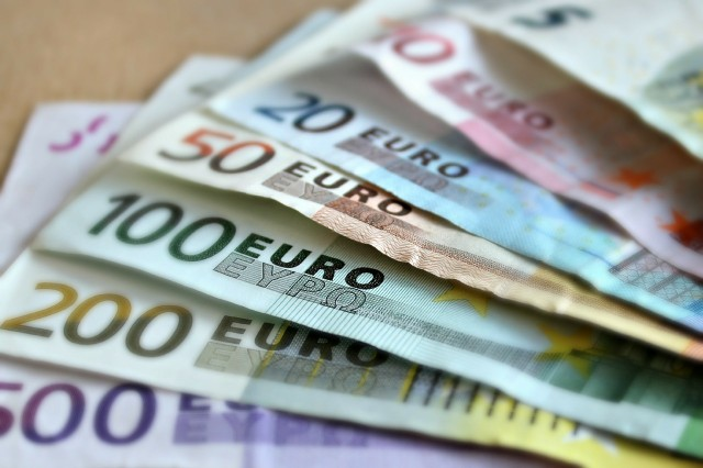 W kwietniu do strefy euro wróciła deflacja